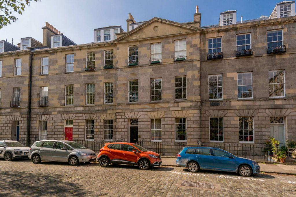 1 Bedroom Ground Flat for sale in 14A Gayfield Square, New Town, Edinburgh, EH1 3NX