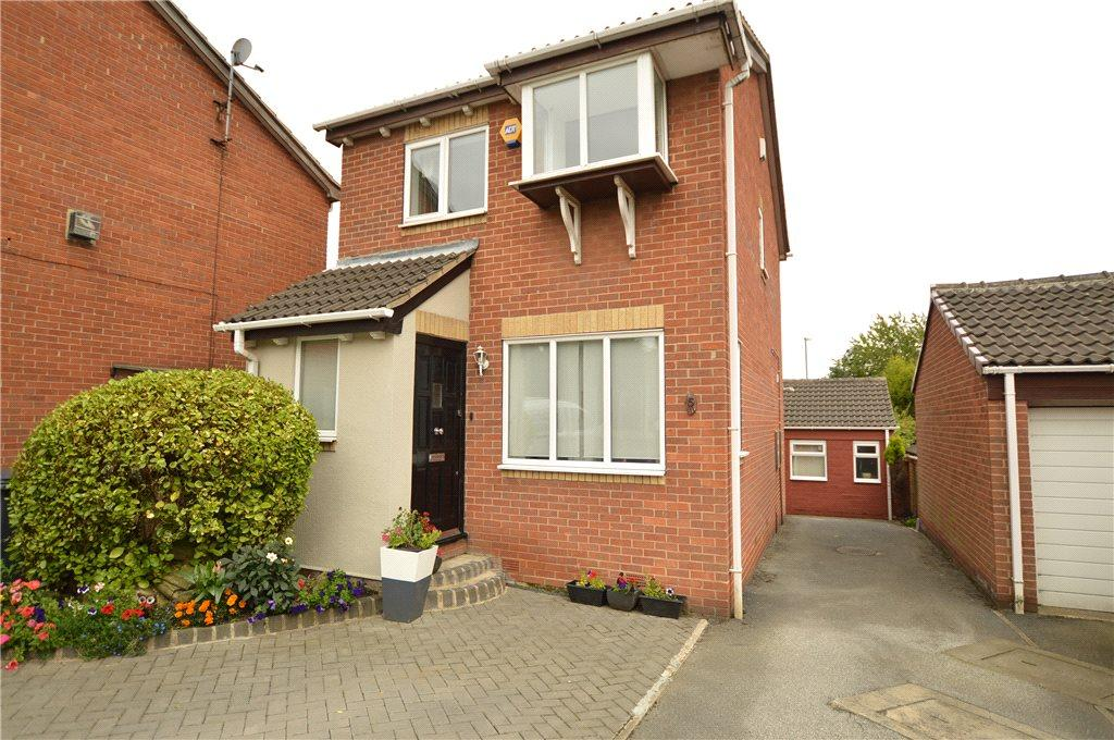 3 Bedrooms Detached House for sale in Blackgates Court, Tingley, Wakefield
