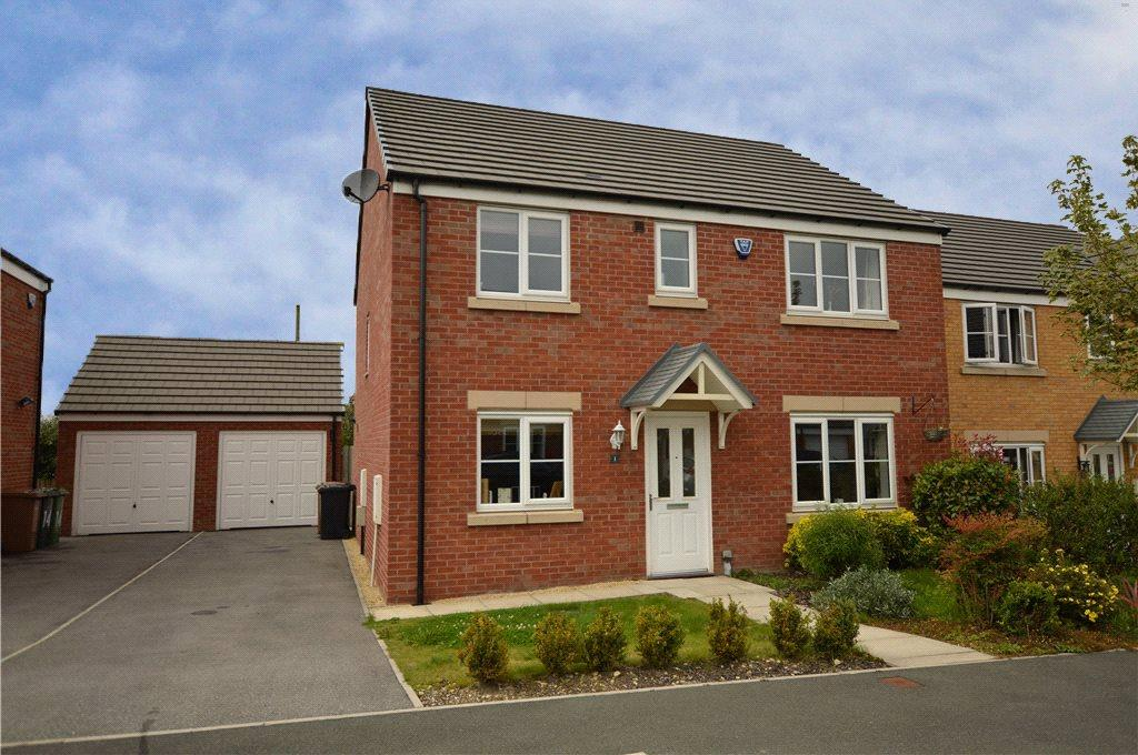 4 Bedrooms Detached House for sale in Barrowby Close, Garforth, Leeds, West Yorkshire