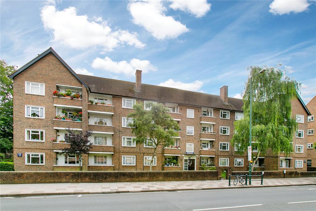 2 Bedrooms Flat for sale in John Dee House, Mortlake High Street, London