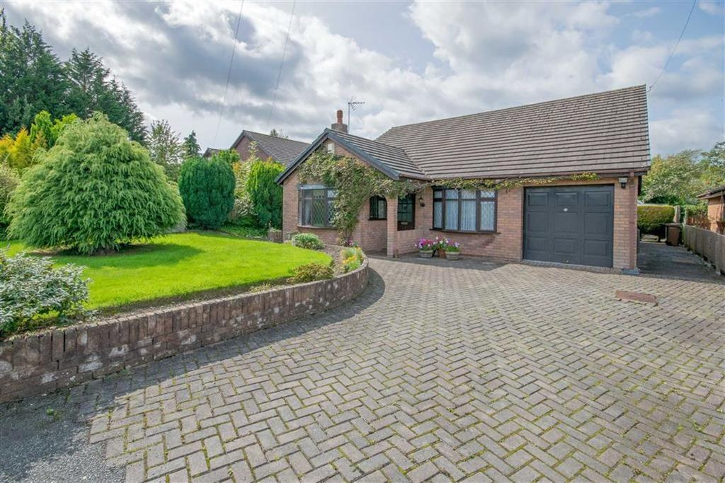 3 Bedrooms Detached Bungalow for sale in Queen Street, Treuddyn, Mold