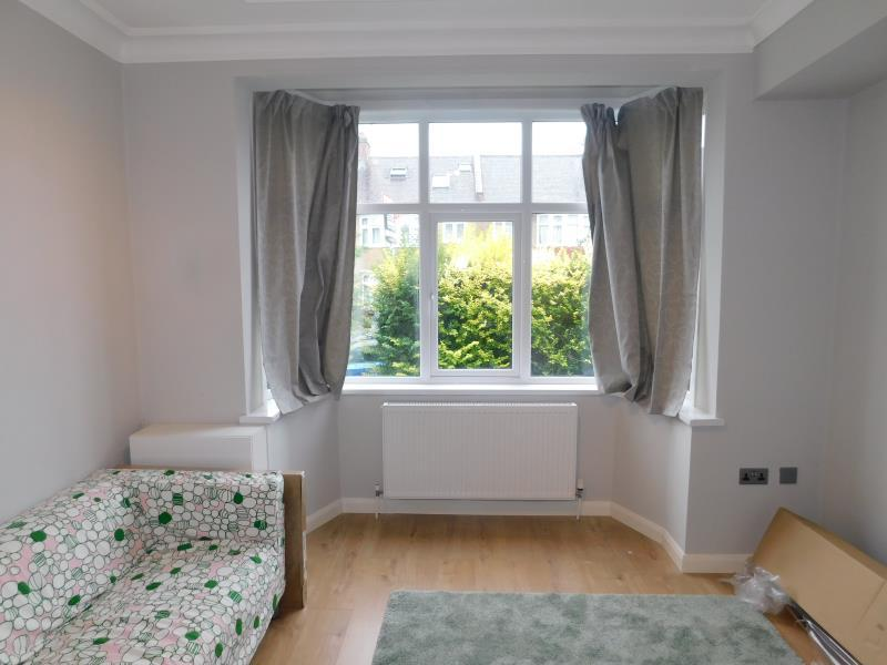 1 Bedroom Ground Flat for sale in Beresford Road , Harrow