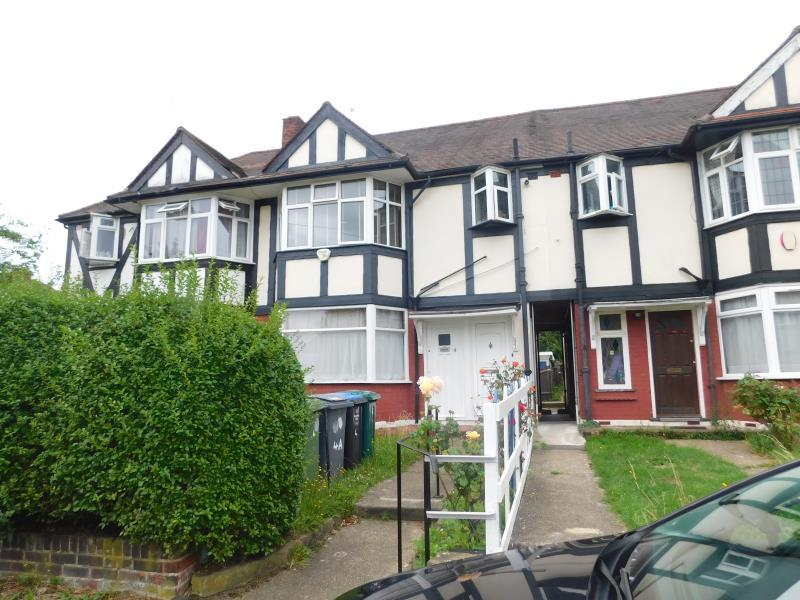 1 Bedroom Ground Flat for sale in Kenmere Gardens , Wembley , Middlesex