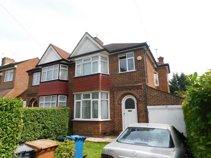 3 Bedrooms Semi Detached House for sale in Coledale Drive, Stanmore