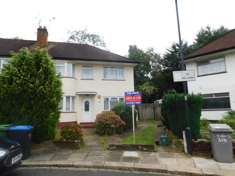 2 Bedrooms Flat for sale in Sudbury Croft, Wembley, Middlesex