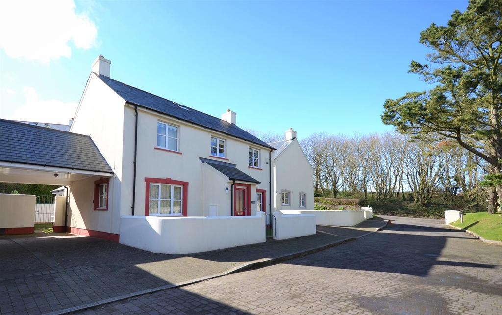 3 Bedrooms Detached House for sale in Strawberry Close, Little Haven, Pembrokeshire