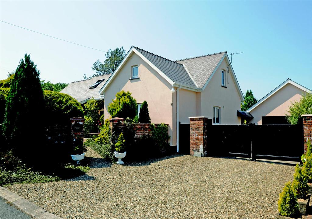 4 Bedrooms Detached House for sale in Dale Road, Haverfordwest