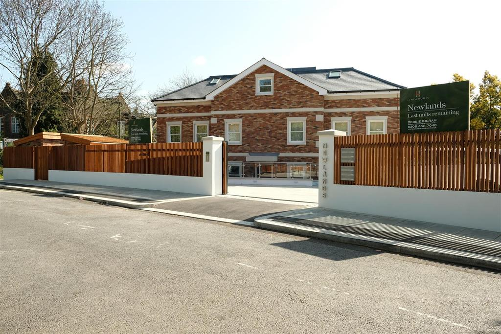 3 Bedrooms Apartment Flat for sale in Newlands, NW4