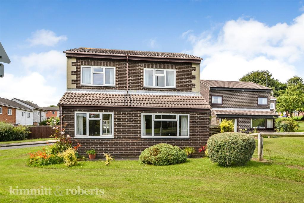 3 Bedrooms Detached House for sale in Brendon Place, Peterlee, Co.Durham, SR8