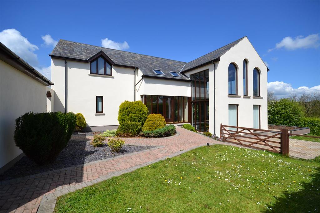 5 Bedrooms Detached House for sale in Hawn Lake, Burton, Pembrokeshire