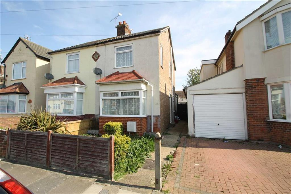 2 Bedrooms Semi Detached House for sale in Agincourt Road, Clacton-on-Sea