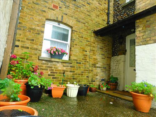 3 Bedrooms Town House for sale in The Square, Birchington CT7