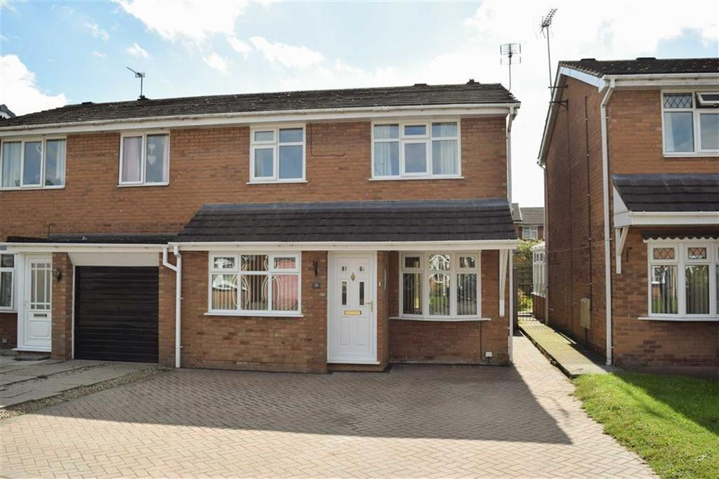 3 Bedrooms Semi Detached House for sale in Weston Close