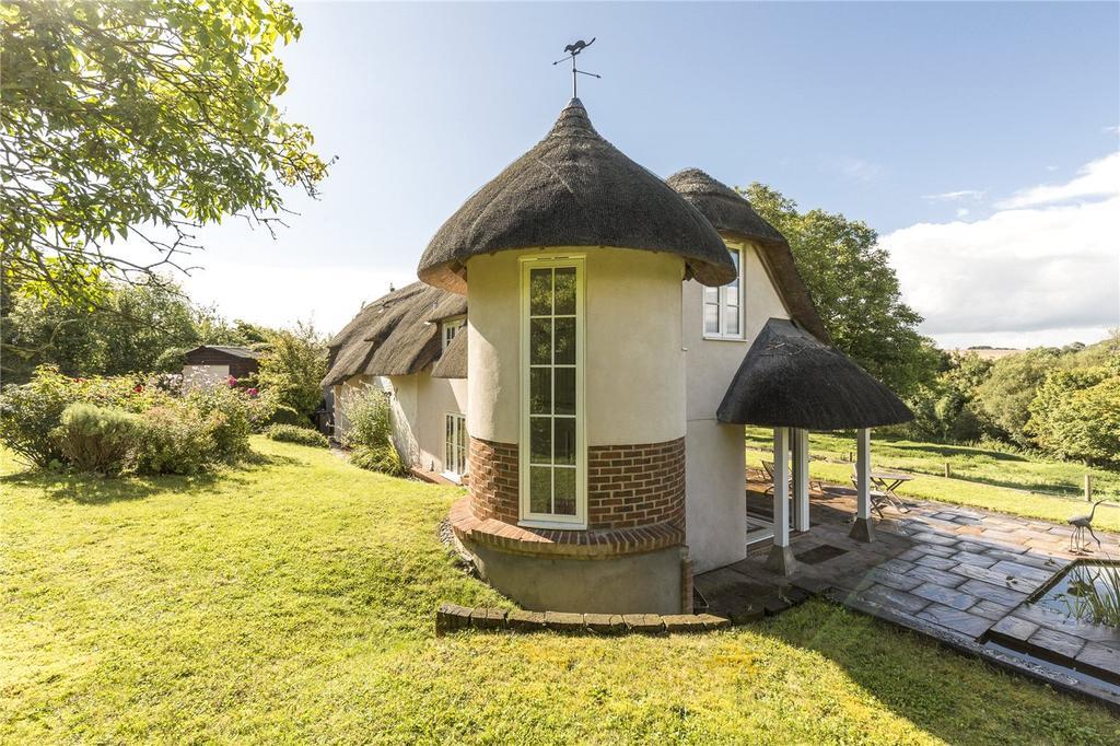 4 Bedrooms Detached House for sale in Salterton, Salisbury, Wiltshire, SP4