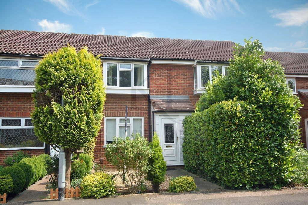 2 Bedrooms Terraced House for sale in Church Field, Ware