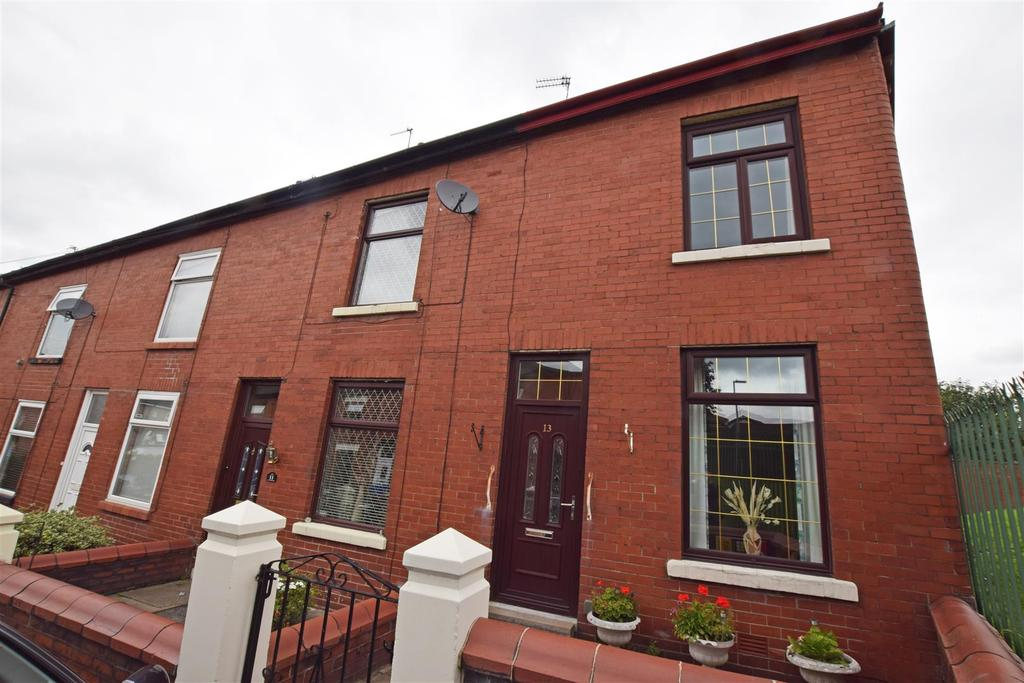 3 Bedrooms End Of Terrace House for sale in Brewster Street, Middleton