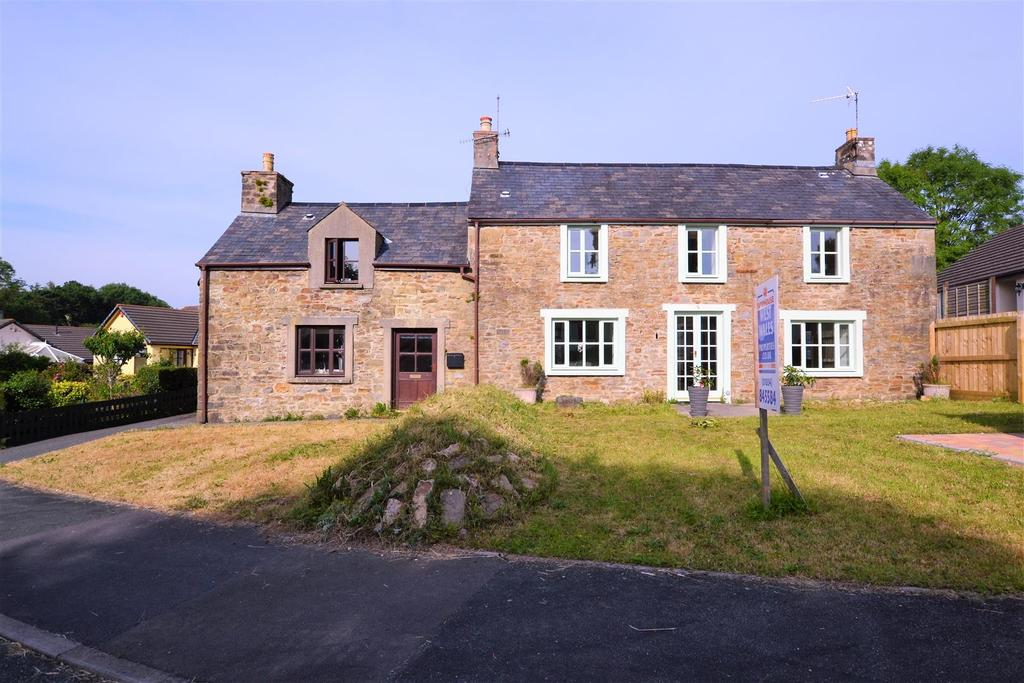 5 Bedrooms Detached House for sale in Kilvelgy Farmhouse, Kilgetty, Pembrokeshire