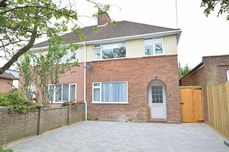 3 Bedrooms Semi Detached House for sale in The Drove, Andover