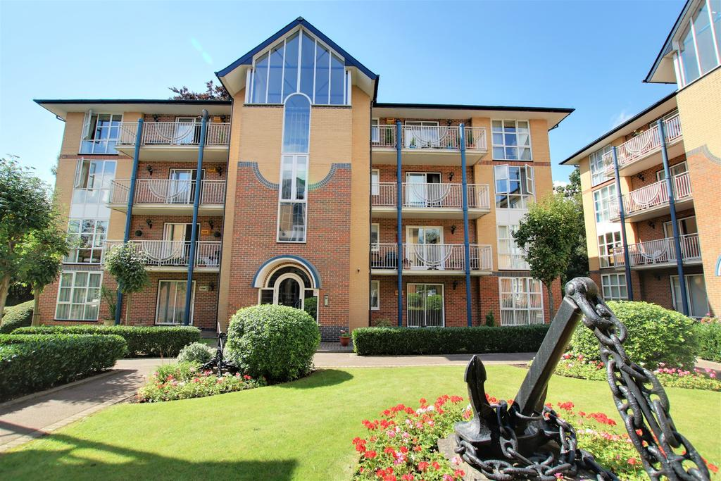 2 Bedrooms Flat for sale in Westwood Road, Southampton