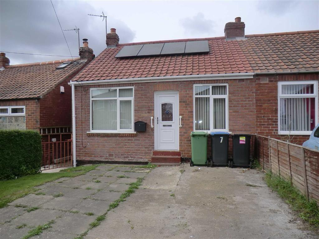 2 Bedrooms Semi Detached Bungalow for sale in 7, Cleves Cottages, Ferryhill