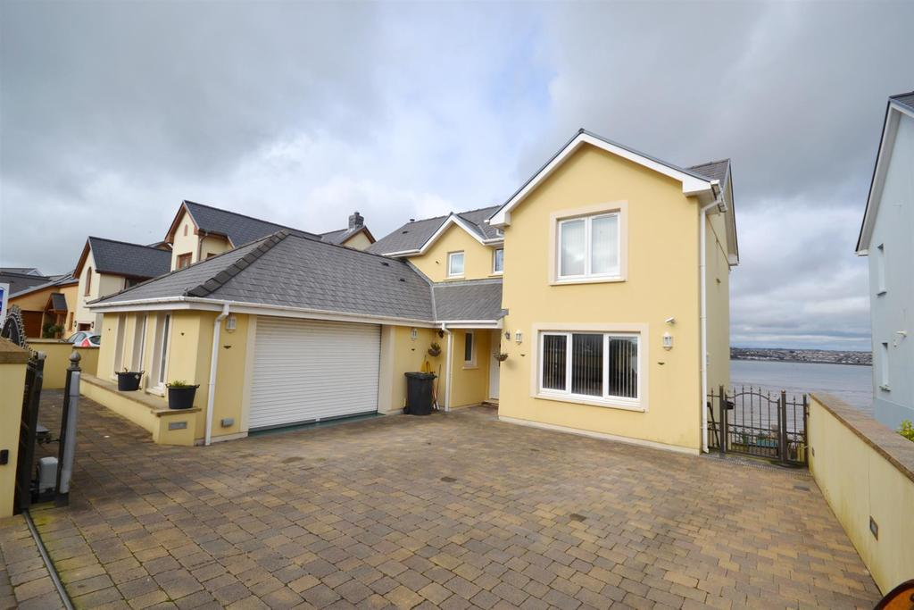 5 Bedrooms Detached House for sale in Ocean Way, Pennar Park, Pennar