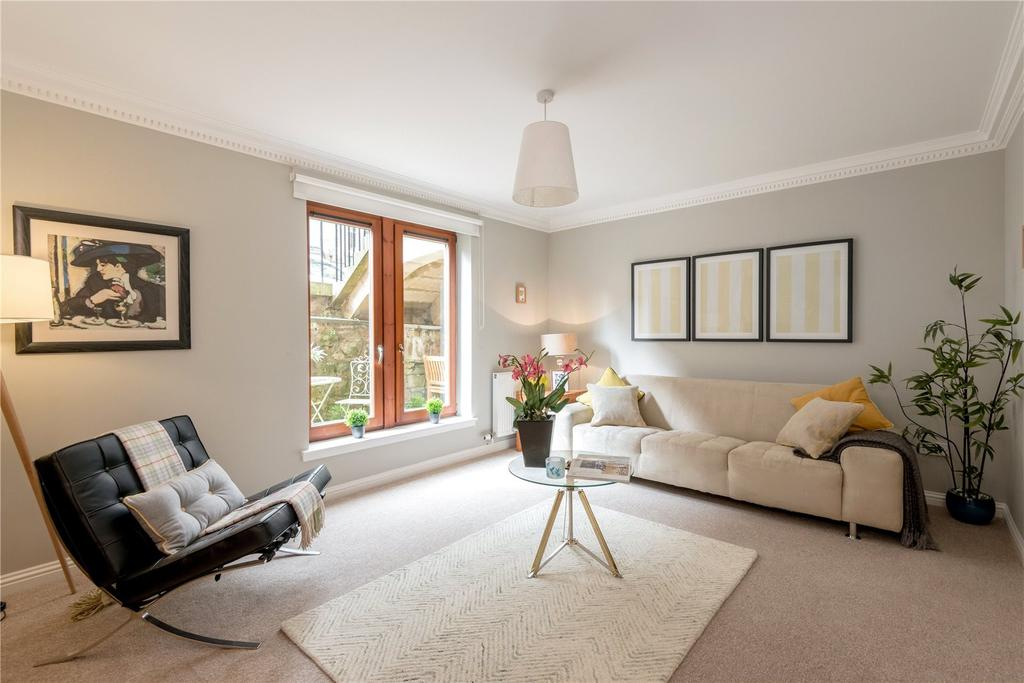 2 Bedrooms Flat for sale in 99B/2 St. Stephen Street, Stockbridge, Edinburgh, EH3