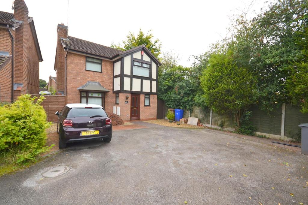 4 Bedrooms Detached House for sale in Bowmead Close, Trentham, Stoke-On-Trent
