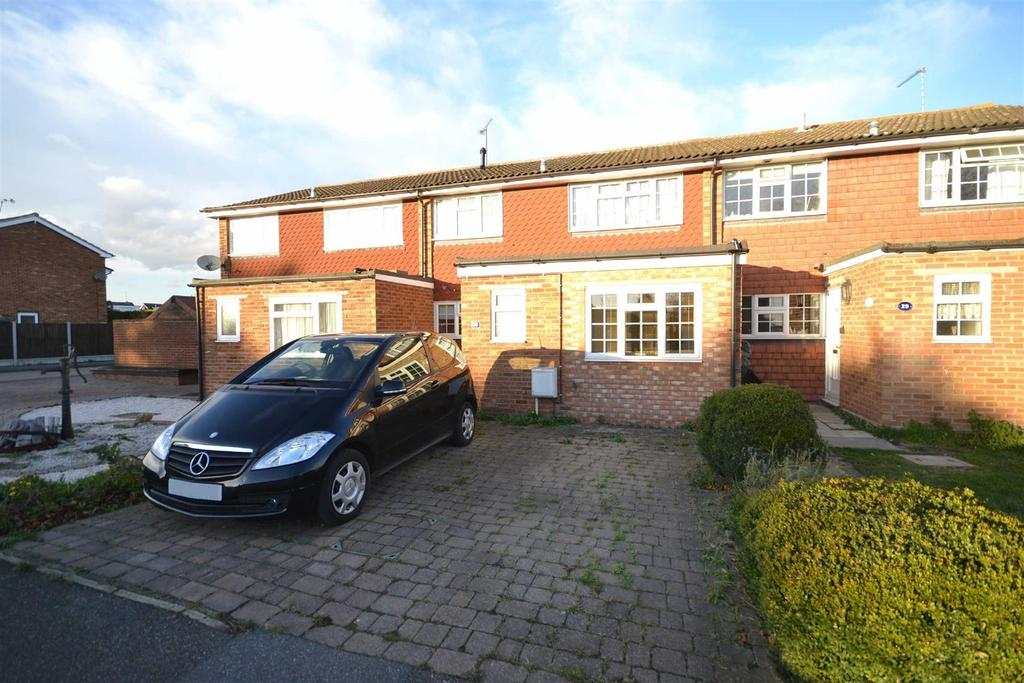 3 Bedrooms Terraced House for sale in Pippins Road, Burnham-on-Crouch