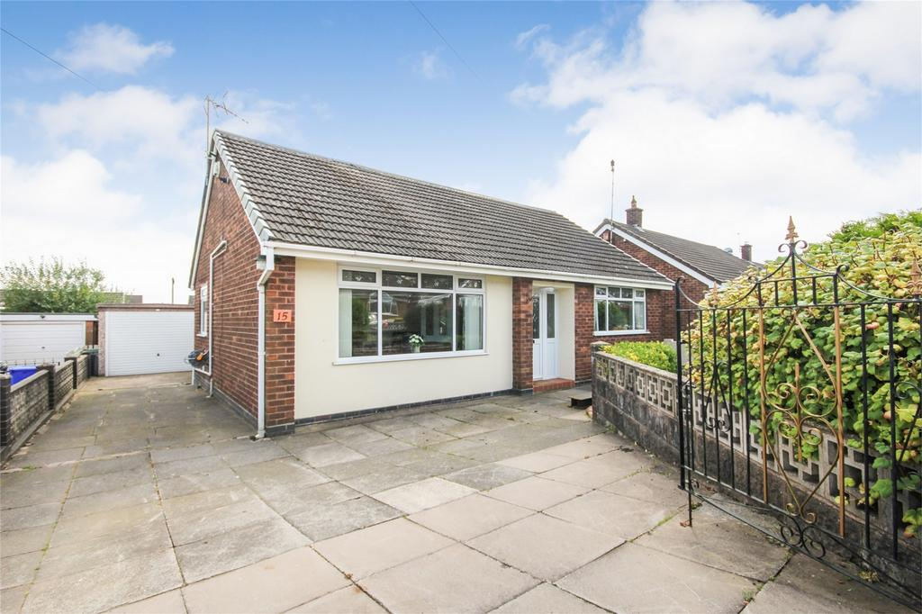 2 Bedrooms Detached Bungalow for sale in 15 Colin Crescent, STOKE-ON-TRENT, Staffordshire