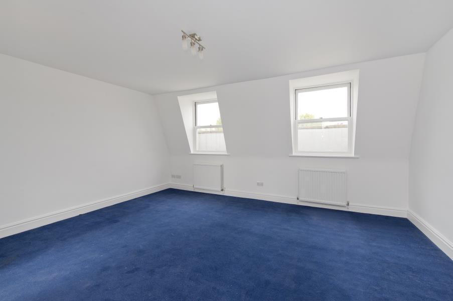 Studio Flat for sale in Chesterton Road, North Kensington W10