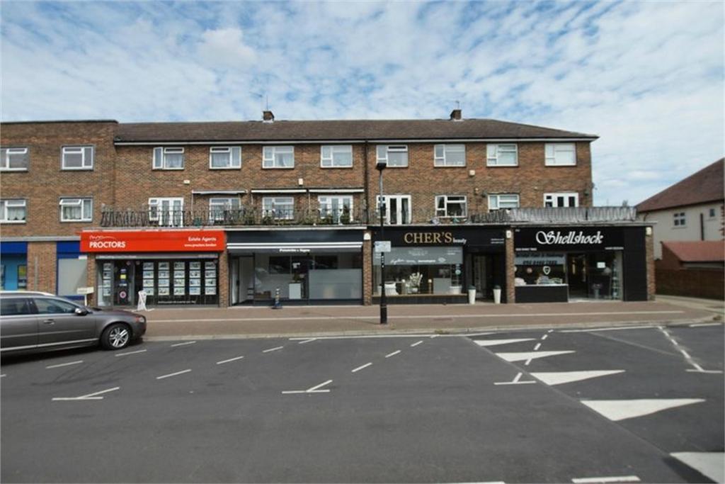 3 Bedrooms Flat for sale in Pickhurst Lane, West Wickham, Kent