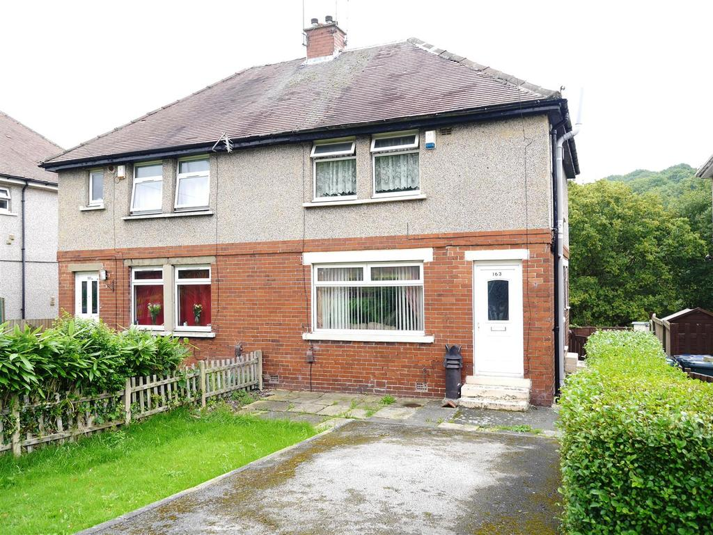 3 Bedrooms Semi Detached House for sale in Ravenscliffe Avenue, Ravenscliffe, Bradford, BD10 0JX