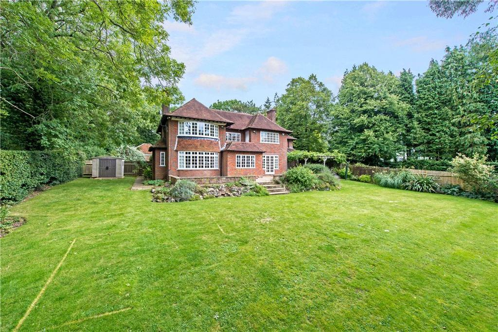 5 Bedrooms Detached House for sale in Shootersway, Berkhamsted, Hertfordshire, HP4