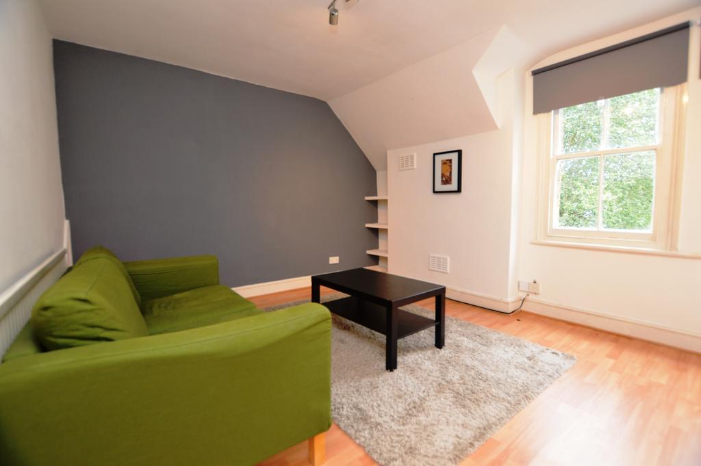 1 Bedroom Flat for sale in Sylvan Road London SE19