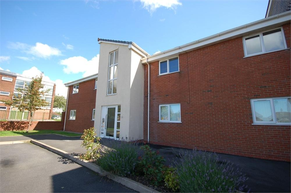 2 Bedrooms Flat for sale in Greenway Court, Lascelles Street, ST HELENS, Merseyside