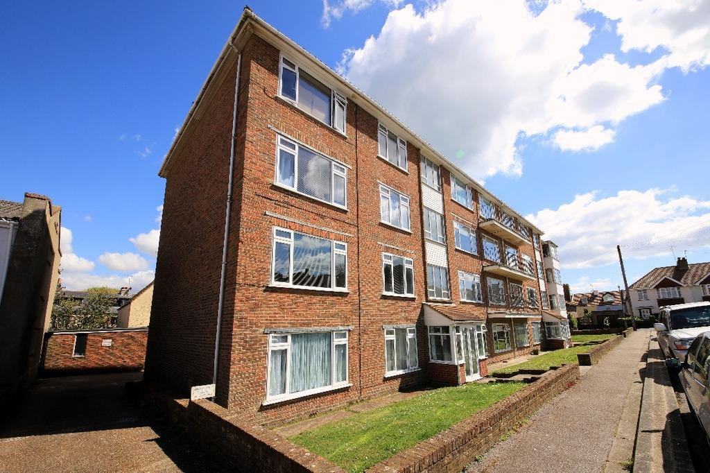 2 Bedrooms Flat for sale in Park Crescent Rottingdean East Sussex BN2