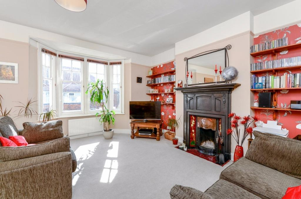 2 Bedrooms Flat for sale in Selborne Place Hove East Sussex BN3
