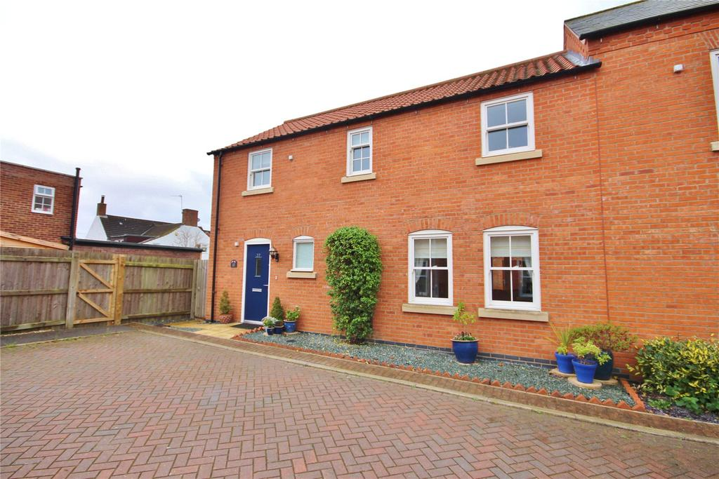 3 Bedrooms Semi Detached House for sale in Honeysuckle Lane, Wragby, LN8