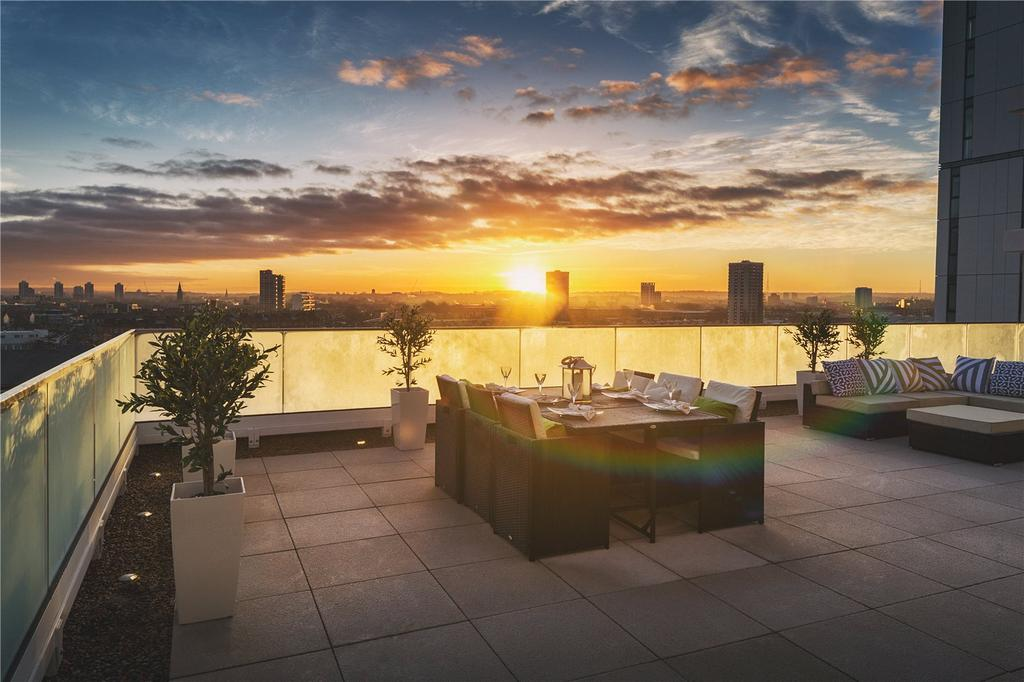 4 Bedrooms Penthouse Flat for sale in Waterford Point, Nine Elms Points, SW8