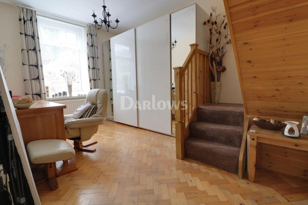 3 Bedrooms Bungalow for sale in Caemawr Rd, Porth
