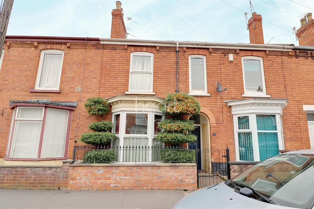 3 Bedrooms Terraced House for sale in Kirkby Street, Lincoln