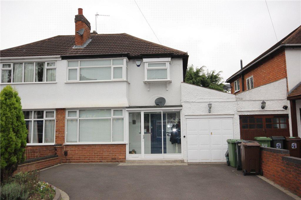 3 Bedrooms Semi Detached House for sale in Castle Lane, Solihull, West Midlands, B92