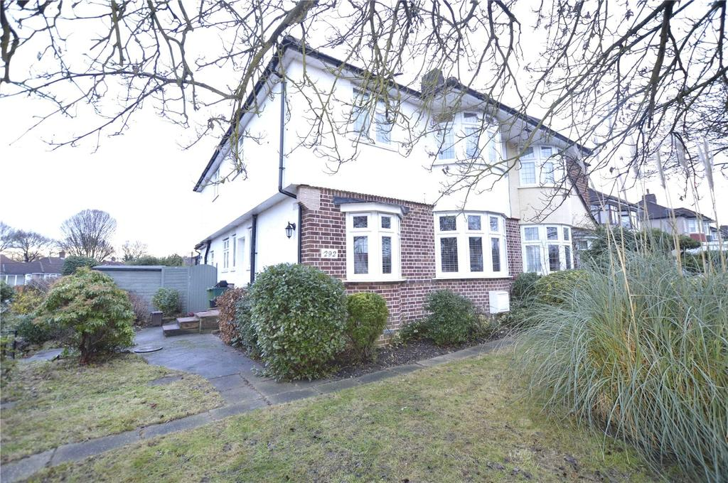 4 Bedrooms Semi Detached House for sale in Bexley Lane, Sidcup, Kent, DA14