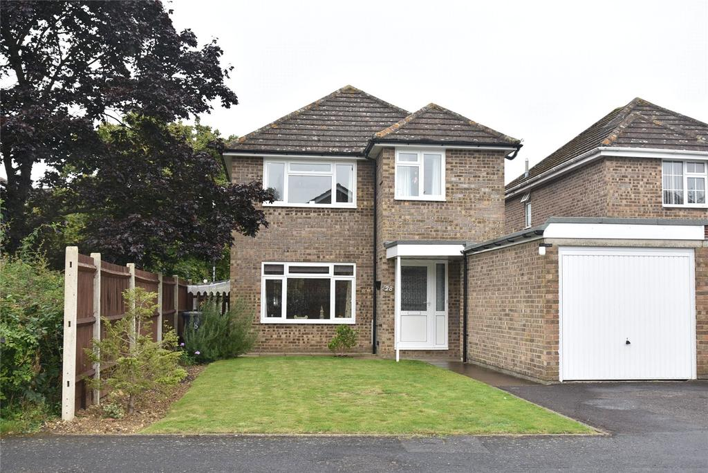 3 Bedrooms Detached House for sale in Droxford Crescent, Tadley, Hampshire, RG26