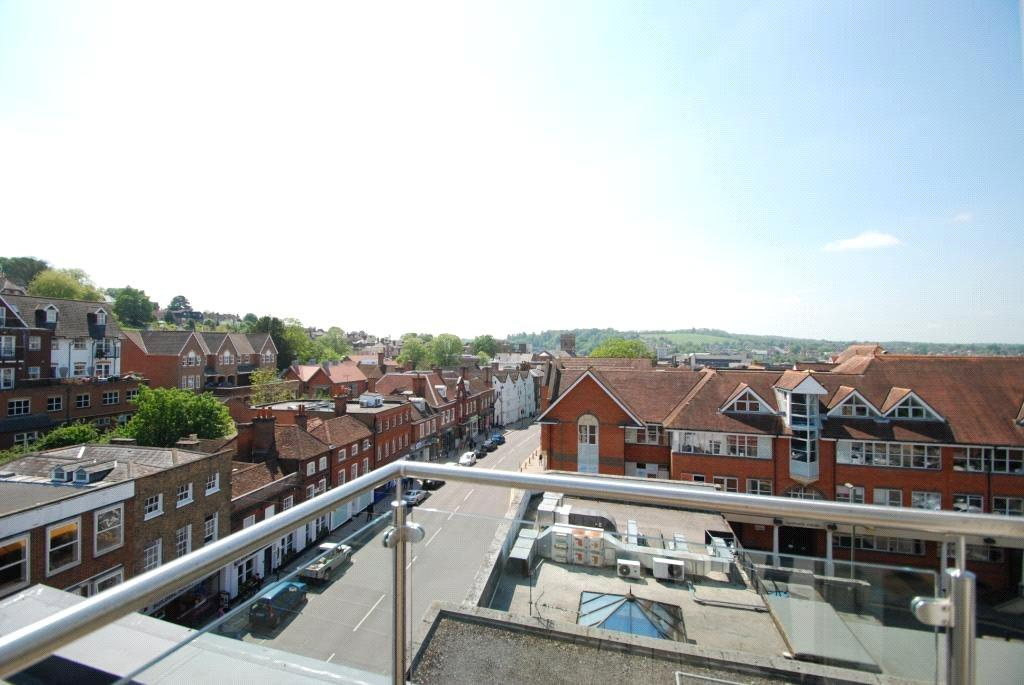 1 Bedroom Flat for sale in Eastgate House, 223 High Street, Guildford, Surrey, GU1
