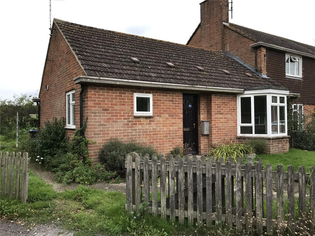2 Bedrooms Bungalow for sale in The Ivies, Manningford Bruce, Pewsey, Wiltshire, SN9