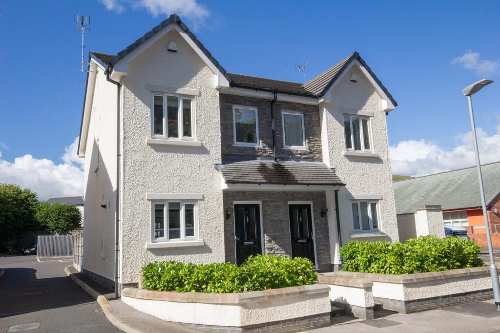 2 Bedrooms Semi Detached House for sale in School Mews, Ulverston
