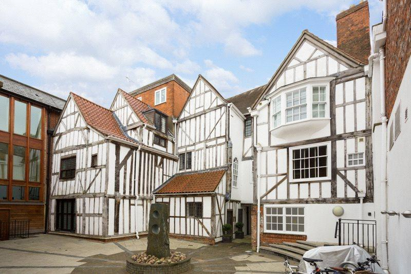 2 Bedrooms Apartment Flat for sale in Talbot Court, Low Petergate, York, YO1