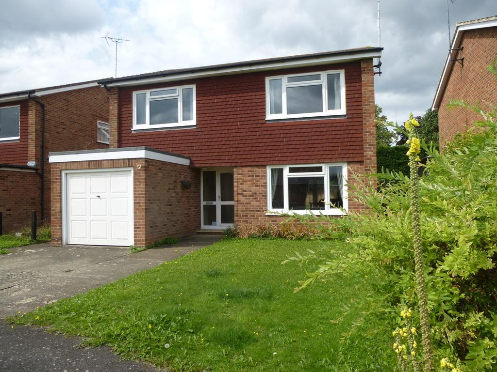 4 Bedrooms Detached House for sale in Strettit Gardens, East Peckham