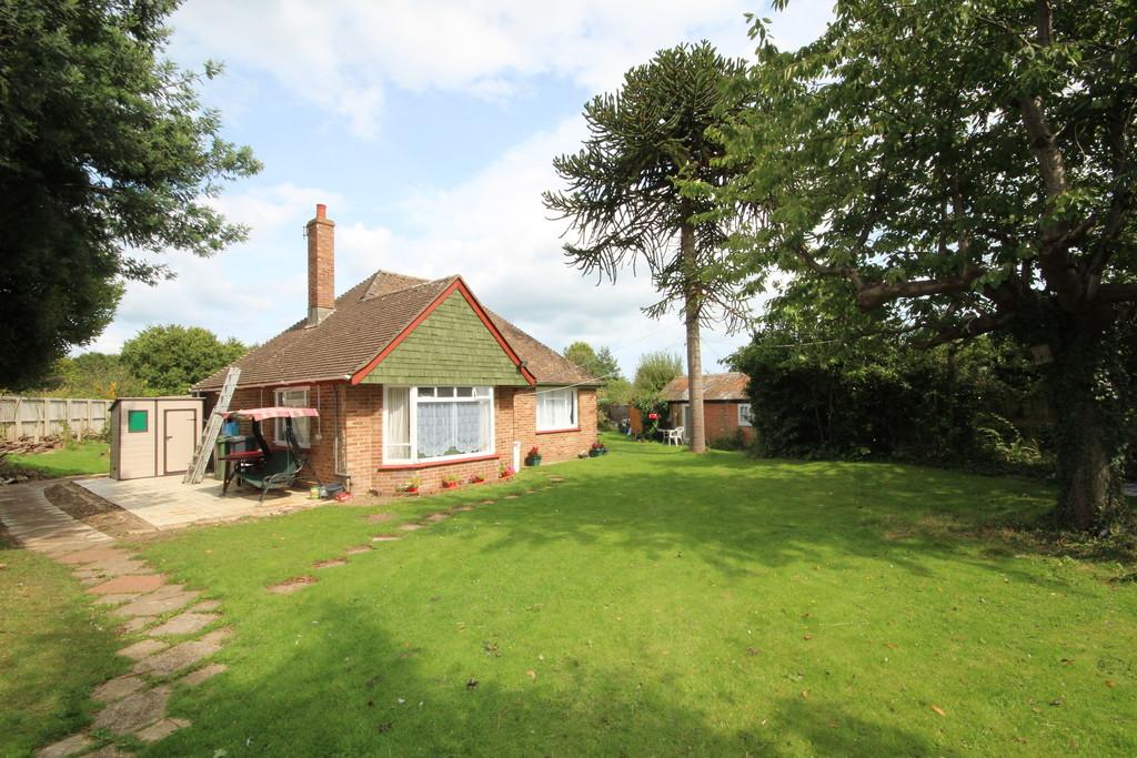 2 Bedrooms Detached Bungalow for sale in Bembridge, Isle of Wight